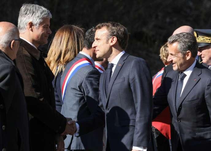 Laurent Wauquiez, Emmanuel Macron et Nicolas Sarkozy lors d'un hommage aux résistants tués sur leplateau des Glières (Haute-Savoie), le 31 mai.