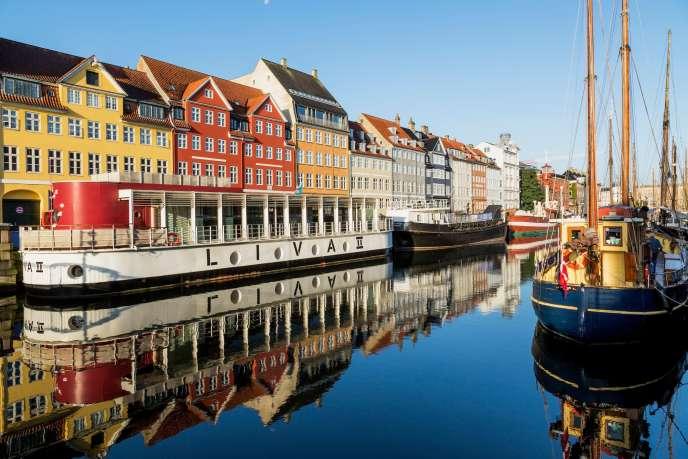 Jyske Bank, troisième banque du Danemark, propose un crédit sur 10 ans à -0,5%. Vue du canal Nyhavn, à Copenhagen.