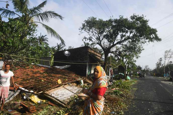 Villagers after cyclone Bulbul, in the Bakkhali area, India.