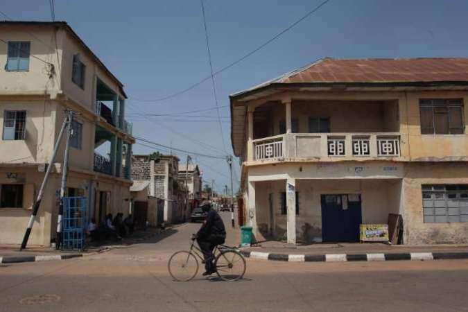 Dans les rues de la capitale gambienne, Banjul, en octobre 2018.