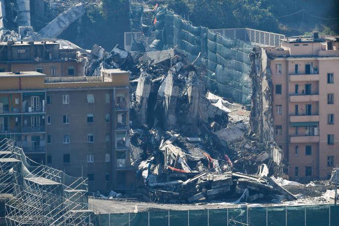 Il crollo del ponte Morandi, a Genova, nel mese di agosto 2018, ha compiuto 43 persone.