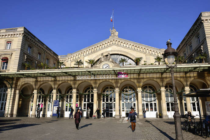 The forecourt of the Gare de l'Est, in Paris.