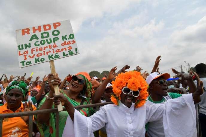 Des supporteurs du président ivoirien Alassane Dramane Ouattara (« ADO»), à Abidjan, le 19 septembre 2020.
