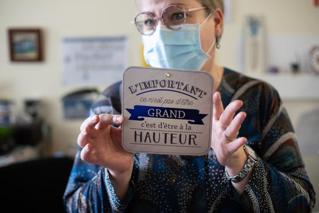 Bichat Hospital, Paris, November 13.  Sandrine de Pamphilis, health executive, has chosen, among the decorative elements that adorn her office, a particularly symbolic poster in these times of Covid-19.