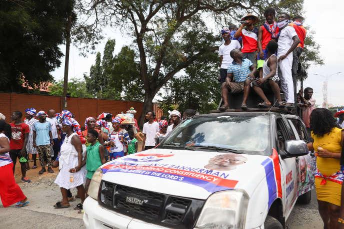 Des partisans du New Patriotic Party (NPP), la formation au pouvoir, à Accra, le 6 octobre 2020.