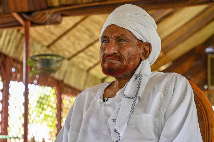 L'ancien premier ministre du Soudan, Sadeq Al-Mahdi , le 1er mai 2019, à Omdourman.