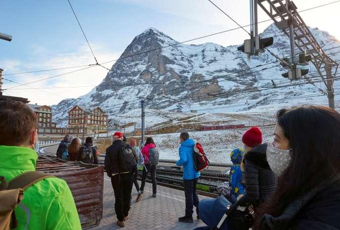 A la gare de la station de ski de Grindelwald (Suisse), le 23 novembre.
