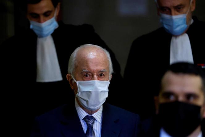Former prime minister, Edouard Balladur, going to the Court of Justice of the Republic for the Karachi trial, in Paris, on January 27.