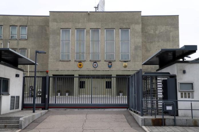 Le bâtiment des ambassades du Royaume-Uni, de la Suède, de l'Allemagne et du bureau français de coopération, à Pyongyang, le 1er avril, sur une photo diffusée par l'ambassade de Russie en Corée du Nord.