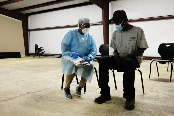 Un centre de vaccination utilisant le sérum de Moderna, le 27 avril, à Hollandale, Mississippi.