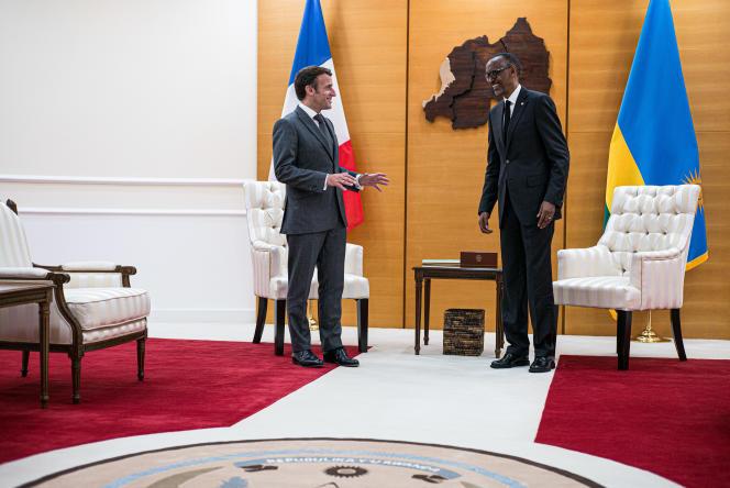 Emmanuel Macron et le président rwandais Paul Kagame, à Kigali, le 27 mai.