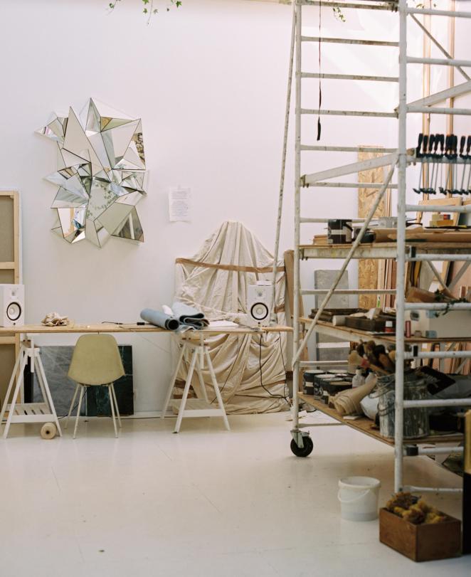 Vue du rez-de-chaussée de l'atelier de Mathias Kiss, à Paris, le 12avril 2021.