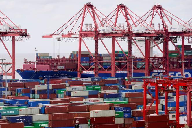 Des conteneurs à Shanghai, en Chine, le 19 octobre 2020.