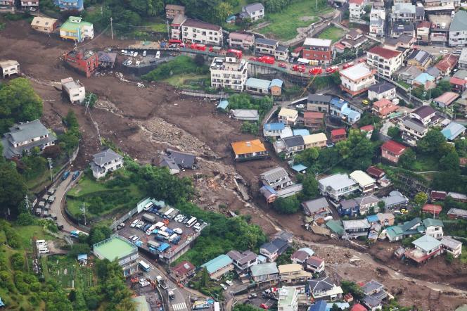 Une vue aérienne du site du glissement de terrain dans la ville d'Atami, préfecture de Shizuoka, au Japon, le 5 juillet 2021.