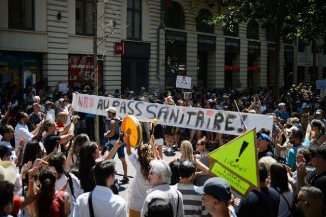 Manifestation contre le passe sanitaire, à Marseille, le 17 juillet 2021.