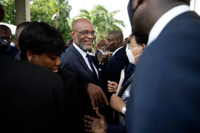 Le nouveau premier ministre, Ariel Henry (au centre), à Port-au-Prince, en Haïti, le 20juillet2021.