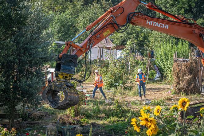 Destruction des installations des jardins d'Aubervilliers, le 2 septembre 2021.