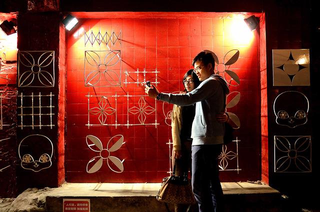[台南中西]懷舊,光影交織的藝術~夜訪台南海安路,神農街!