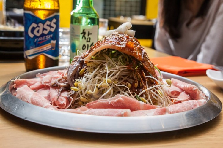 [台北信義]台灣首發店!韓國超人氣小資美食,滿滿豆芽燒肉!韓國烤肉Kongbul-小豆芽