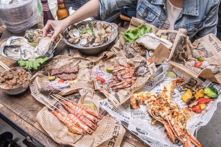 [新北板橋]板橋美食推薦,超豪邁海鮮燒烤,粗曠豪邁外觀有著細膩好味道!火夯seafood海鮮燒烤