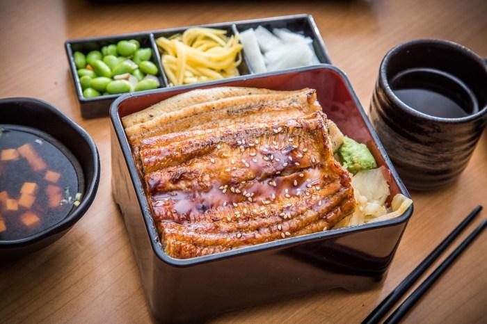 桃園美食 》鰻天下 桃園鰻魚飯推薦,高貴不貴絕對奢華!蒲燒白燒雙拼太極鰻魚飯!