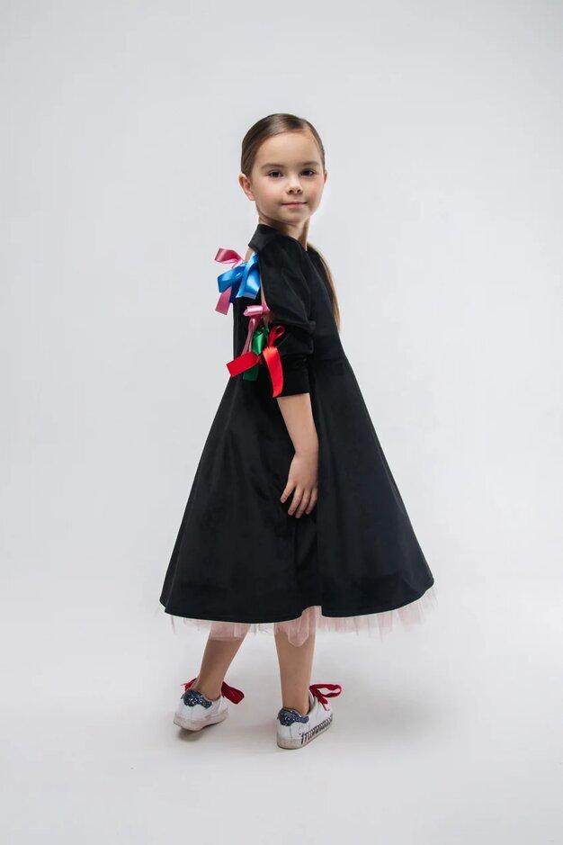Платье детское из черного бархата с декором на спине и подъюбником