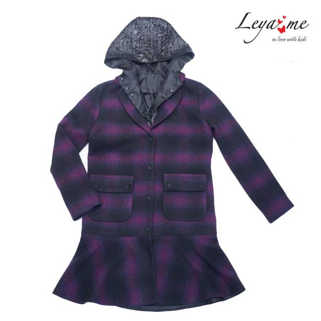 Пальто для девочки с капюшоном и оборкой