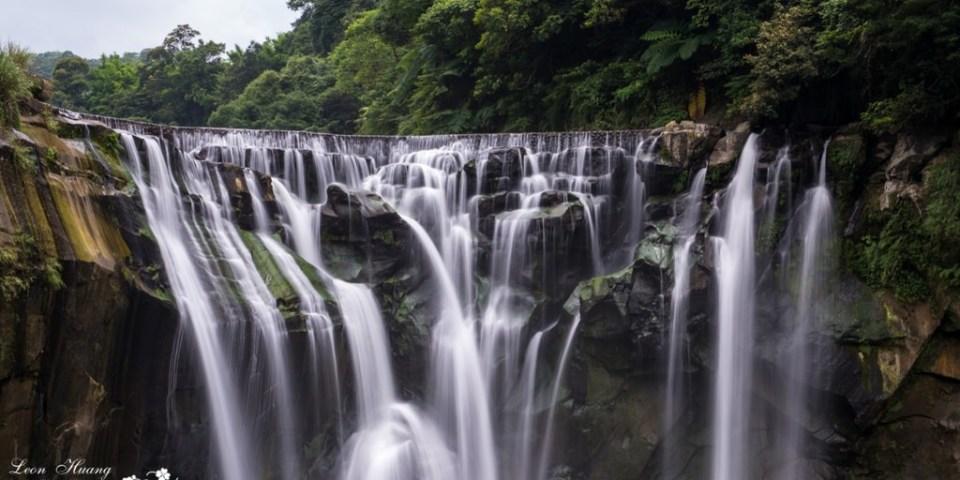 新北景點推薦》平溪十分瀑布 - 台灣尼加拉瀑布 讚嘆大自然鬼斧神工