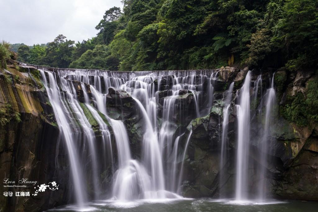 新北景點推薦》平溪十分瀑布 – 台灣尼加拉瀑布 讚嘆大自然鬼斧神工