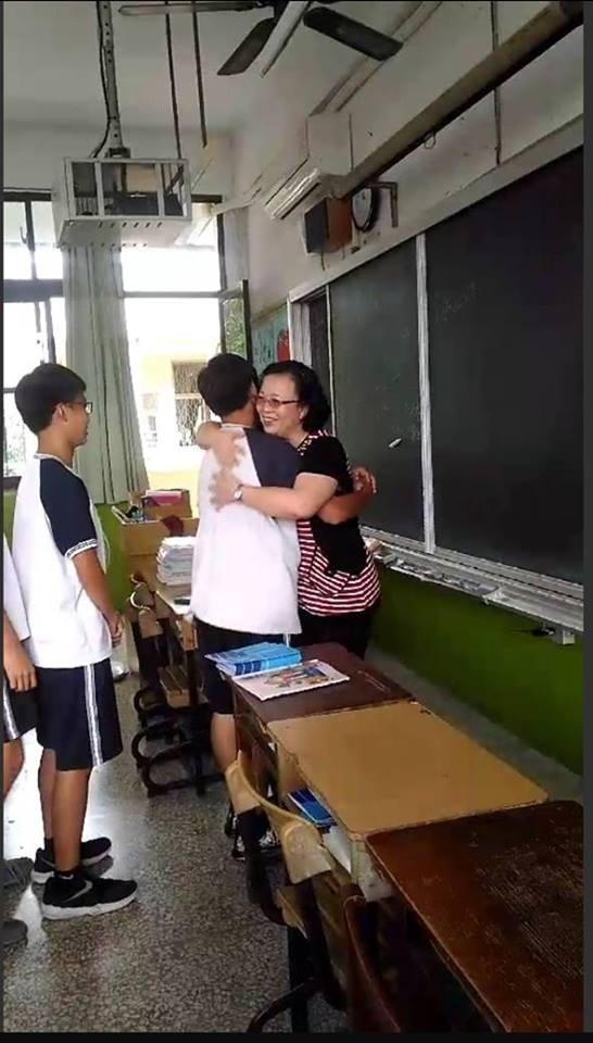 33年導師逾20次接手「後母班」 黃淑娟大愛溫暖偏差生 - 生活 - 自由時報電子報