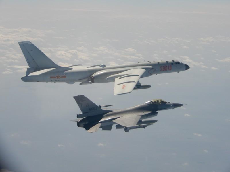 中國軍機越中線演訓 更一度鎖定我F16戰機挑釁 - 政治 - 自由時報電子報