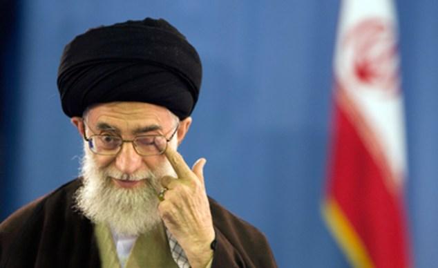 Tehran money changers fear more collapse than war (Photo: Reuters, News)