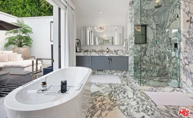 Rihanna's house is offered for rent (Photo: Realtor.com)