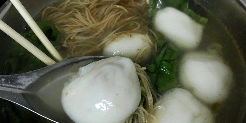台中西區小吃 樂群湯圓之家 傳統鮮肉湯圓+雞絲麵必吃 晚上才營業的人氣美食