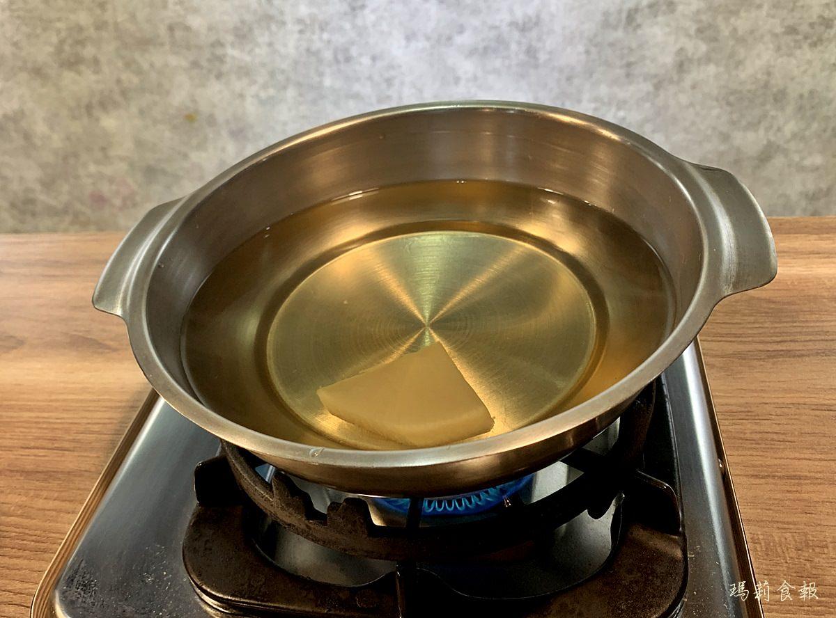 台中西區美食,老式吃鍋,老式吃鍋的昆布蔬菜湯頭,