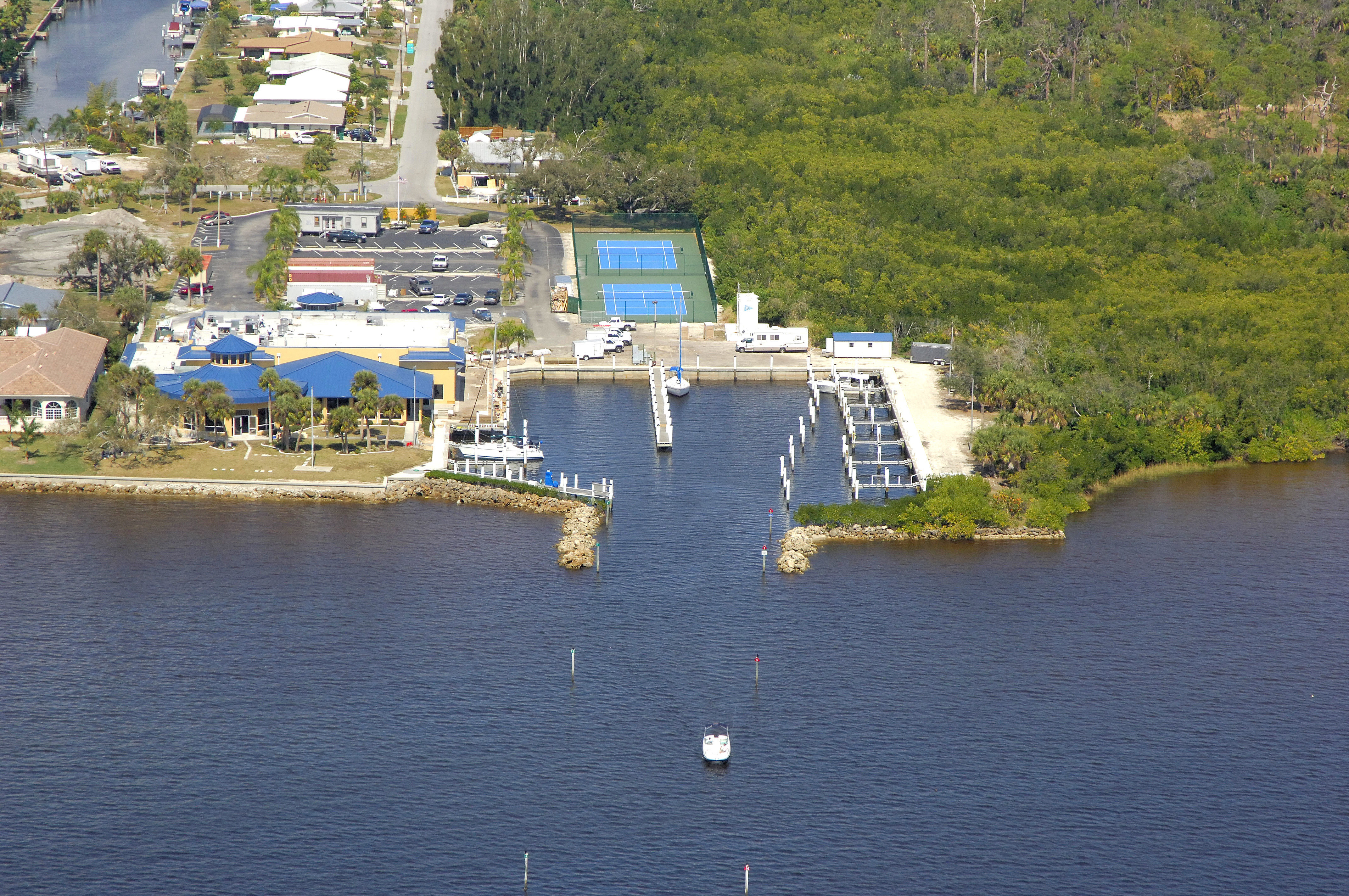 Charlotte Harbor Yacht Club In Port Charlotte FL United