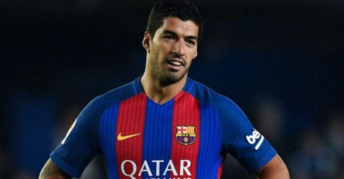 Luis Suarez involved in goalkeeper 'slap' controversy as the dark side returns