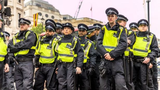 Nearly 1,000 UK police set for deployment in Northern Ireland in event of no-deal Brexit