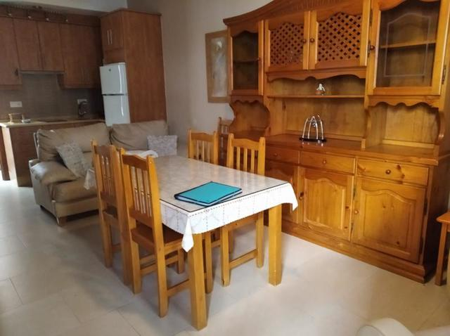 Featuring a kitchen, this apartment provides rooms with a kitchenette, tv set and a balcony along with a private bathroom. MIL ANUNCIOS.COM - casa independiente chipiona en Chipiona