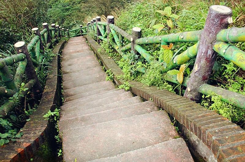 基隆安樂景點 | 大武崙砲台 情人湖 防禦堡壘 國定古蹟