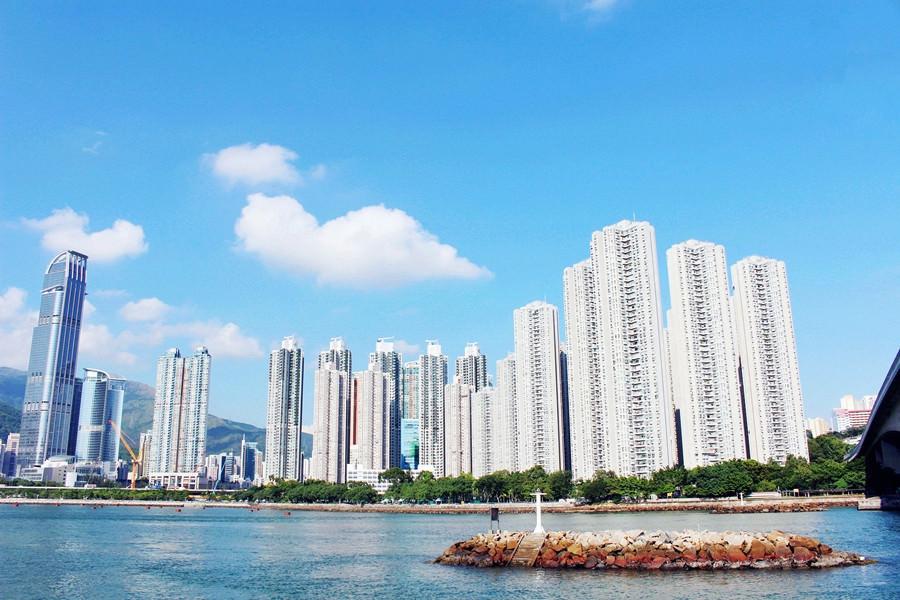 香港新界景點 | 港鐵青衣站 海濱走廊 藍色大海 高樓美景 悠閒漫步 好好逛的青衣城就在旁邊