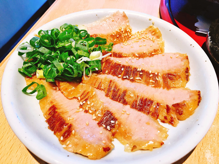 捷運芝山站美食 | 火頭山 Santouka Taiwan SOGO天母店 拉麵套餐 日本北海道直營的美味