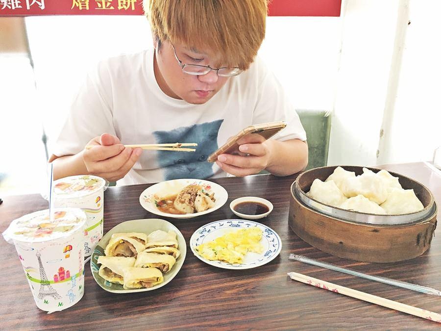 台中北區美食 天津小狗子湯包 豆漿店 永興街早餐 宵夜 凌晨美食