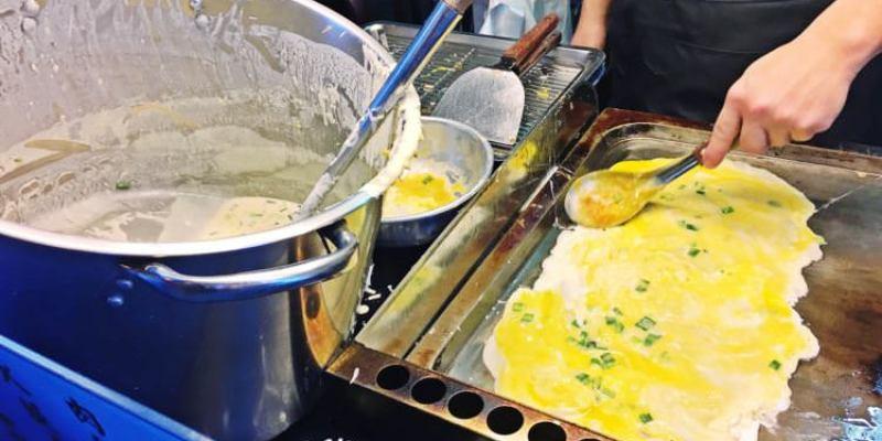 台中西區美食 | 精誠古早味蛋餅 手工麵糊 熱騰騰現點現做 值得客倌們耐心等待的回味美好