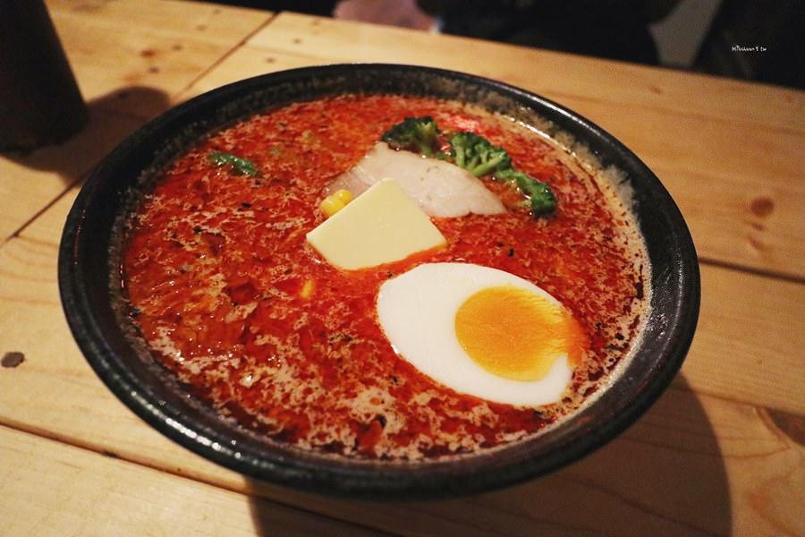 沖繩那霸美食 天神矢拉麵 國際通暖暮拉麵旁巷弄中 有韓中文菜單 味噌拉麵專門店 友善親子餐廳