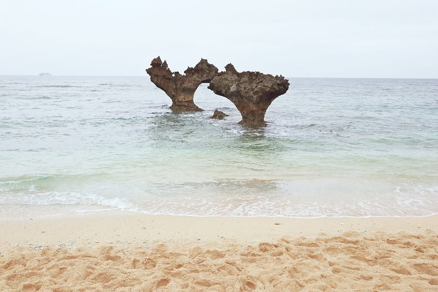 沖繩今帰仁村景點 古宇利島 心形岩 ハート岩 恋守寺社 心型礁岩 心形石 停車場超多