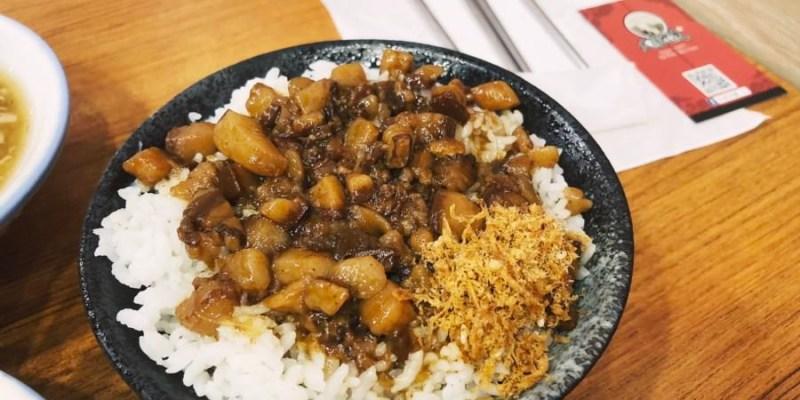 台中西屯美食 大胖肉羹 青海路一段小吃 外帶內用都方便 肉燥飯 雞肉飯 炒米粉 炒麵 滷味小菜 冷盤
