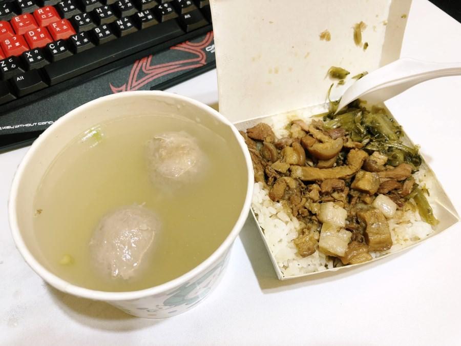 台中南屯美食 十三街美食 爌肉飯 綜合湯 炒麵 炒飯 魯肉飯 小菜 青菜 熱湯