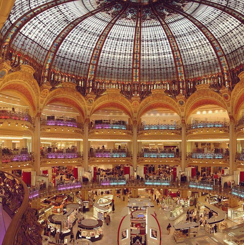 800px-Paris_Lafayette_inside