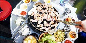 【旅遊✈KOREA】2015櫻在首爾*弘大站‧小豬儲蓄罐烤肉돼지저금통。用石頭烤肉風味口感就是不一樣~滿出來的豬肉和小菜♥有著100%滿足感